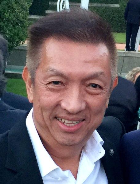 Peter Lim pone a disposición de la Generalitat material sanitario para la lucha contra el coronavius