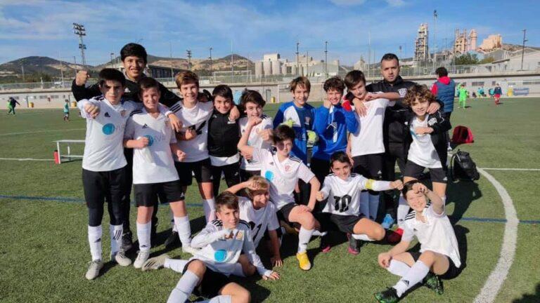 At. Amistat se coloca líder en el Grupo 3, tras la victoria del Ciutat de València al Levante UD