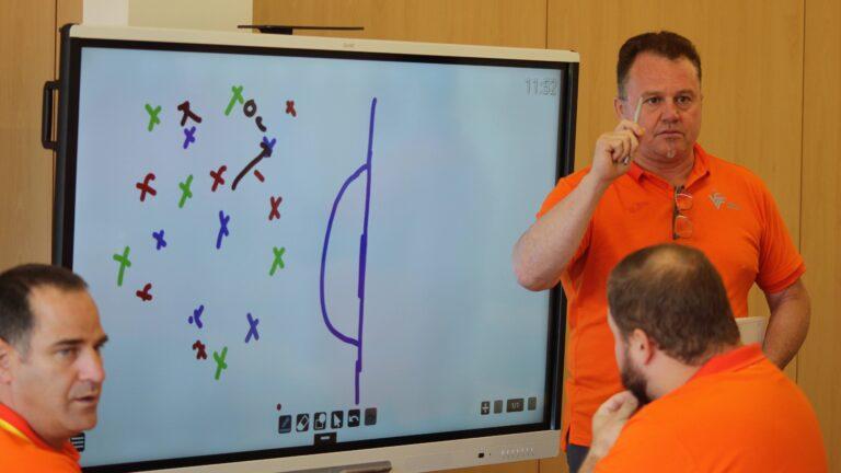 Conoce toda la oferta de cursos de entrenador para este verano impartidos por la Federació
