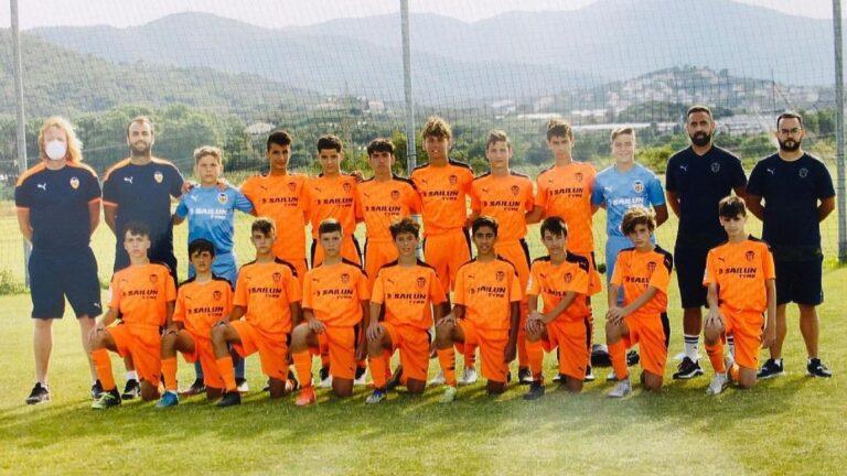 El Valencia CF Benjamín campeón en la Girona Cup. Valencia CF Infantil y Levante UD Benjamín subcampeones