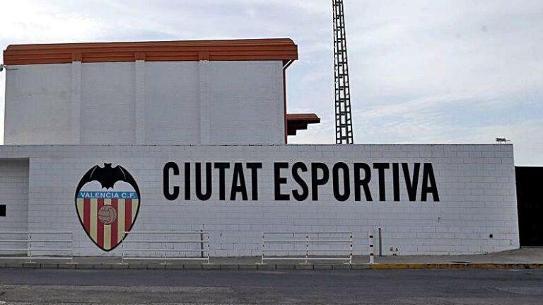 Vuelve el público a la Ciutat Esportiva  de Paterna, pero con restricciones