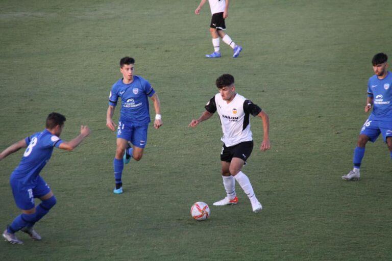Valencia CF, gana y líder en solitario, pinchan el resto de favoritos en la División de Honor